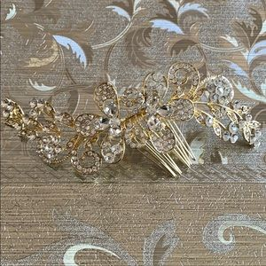Accessories - Large Gold Tone Crystal Hair Clip